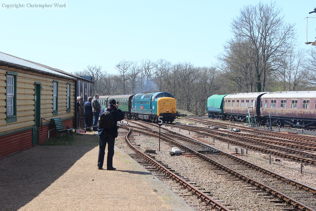 55019 approaches Horsted Keynes