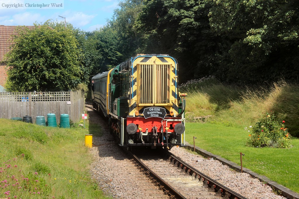 09026 makes a trip up the line on the Groombridge shuttle with the class 207 in tow