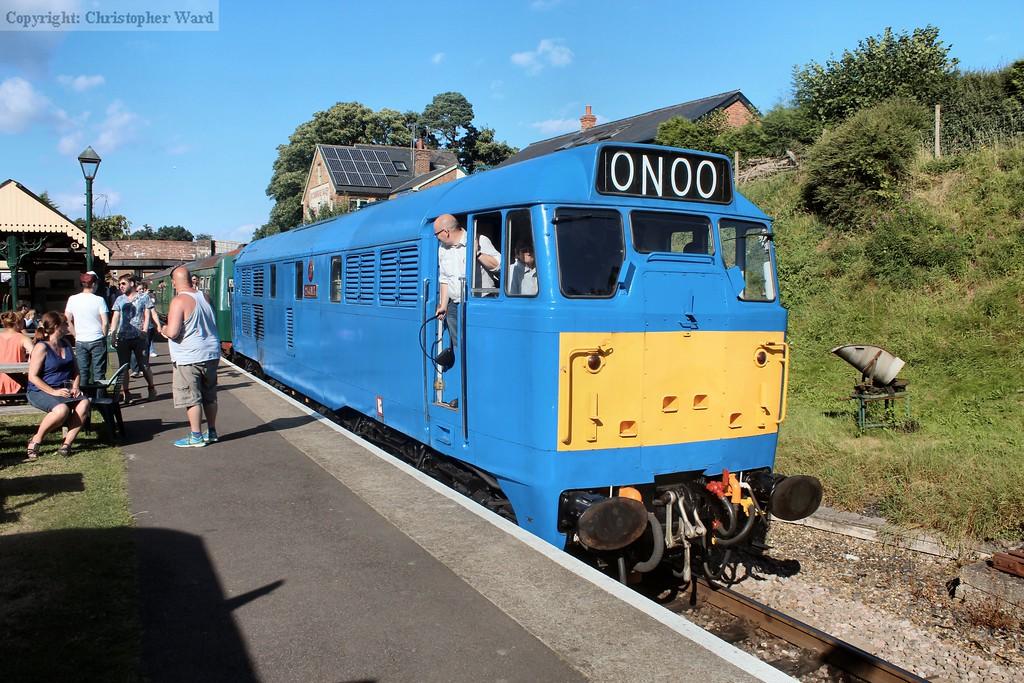 31289 returns with an Eridge train