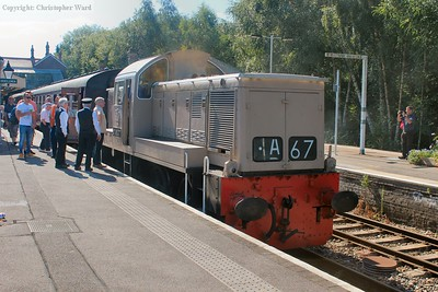D9537 waits to take the train out...albeit shortly after this picture was taken she would fail with power-related issues