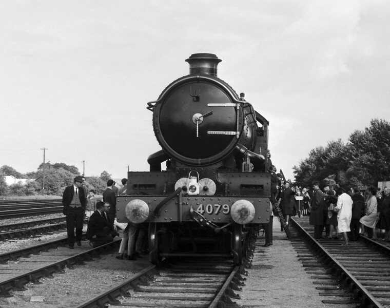 4079 Pendennis Castle at the 1965 Open Day.  This was in the days before Health and Safety.  The crowd was separated from the Down Main by a single rope, just visible on the left hand side of the photograph.