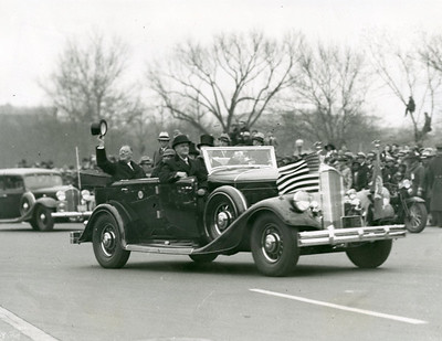 Inaugural Parade, March 4, 1933.  The National Archive / Unwritten Record Blog https://unwritten-record.blogs.archives.gov/2017/01/10/a-look-at-inauguration-day-through-the-years-inaugural-photographs-and-facts/