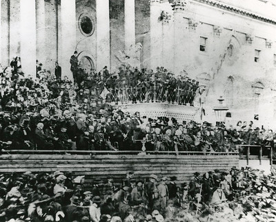 Lincoln's 2nd Inauguration.  The National Archive / Unwritten Record Blog https://unwritten-record.blogs.archives.gov/2017/01/10/a-look-at-inauguration-day-through-the-years-inaugural-photographs-and-facts/