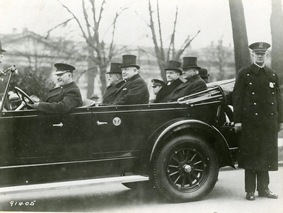 Mr. Hoover leaving the White House for the Capitol accompanied by President Coolidge. Senator Moses (left) and Representative Snell are in the front seats. Taken 3/4/1929.  The National Archive / Unwritten Record Blog https://unwritten-record.blogs.archives.gov/2017/01/10/a-look-at-inauguration-day-through-the-years-inaugural-photographs-and-facts/