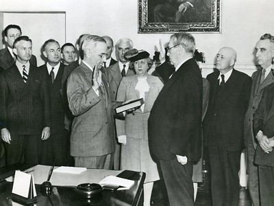 Vice President Harry S. Truman is sworn in as President of the United States by Chief Justice Harlan Stone in the White House at 7:09 PM on April 12, 1945, just hours following the sudden death of President Roosevelt.  The National Archive / Unwritten Record Blog https://unwritten-record.blogs.archives.gov/2017/01/10/a-look-at-inauguration-day-through-the-years-inaugural-photographs-and-facts/