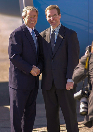 Pres George Bush (left)