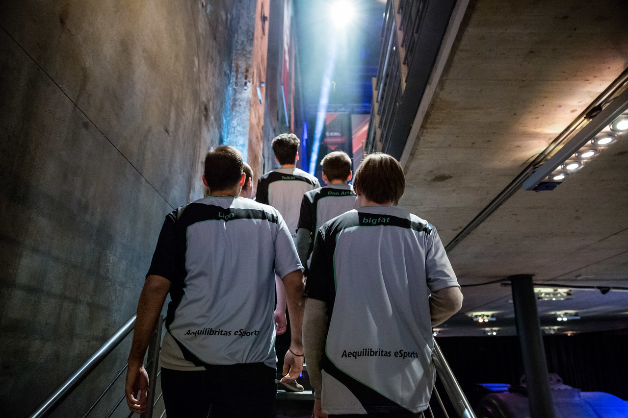 Aequilibritas eSports enters the stage to compete in the Semi-Finals of the League of Legends ESL Meisterschaft 2017 Spring Finals
