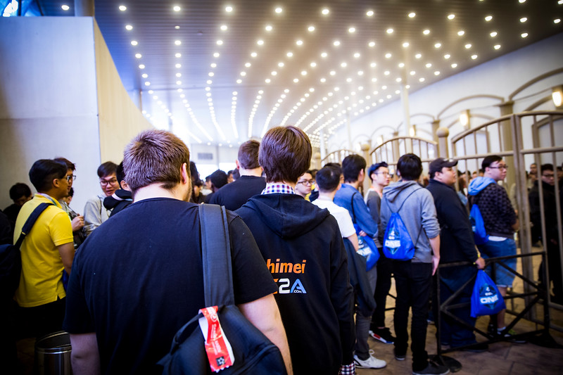 The Fans are entering the arena as ESL ONE Genting opens!