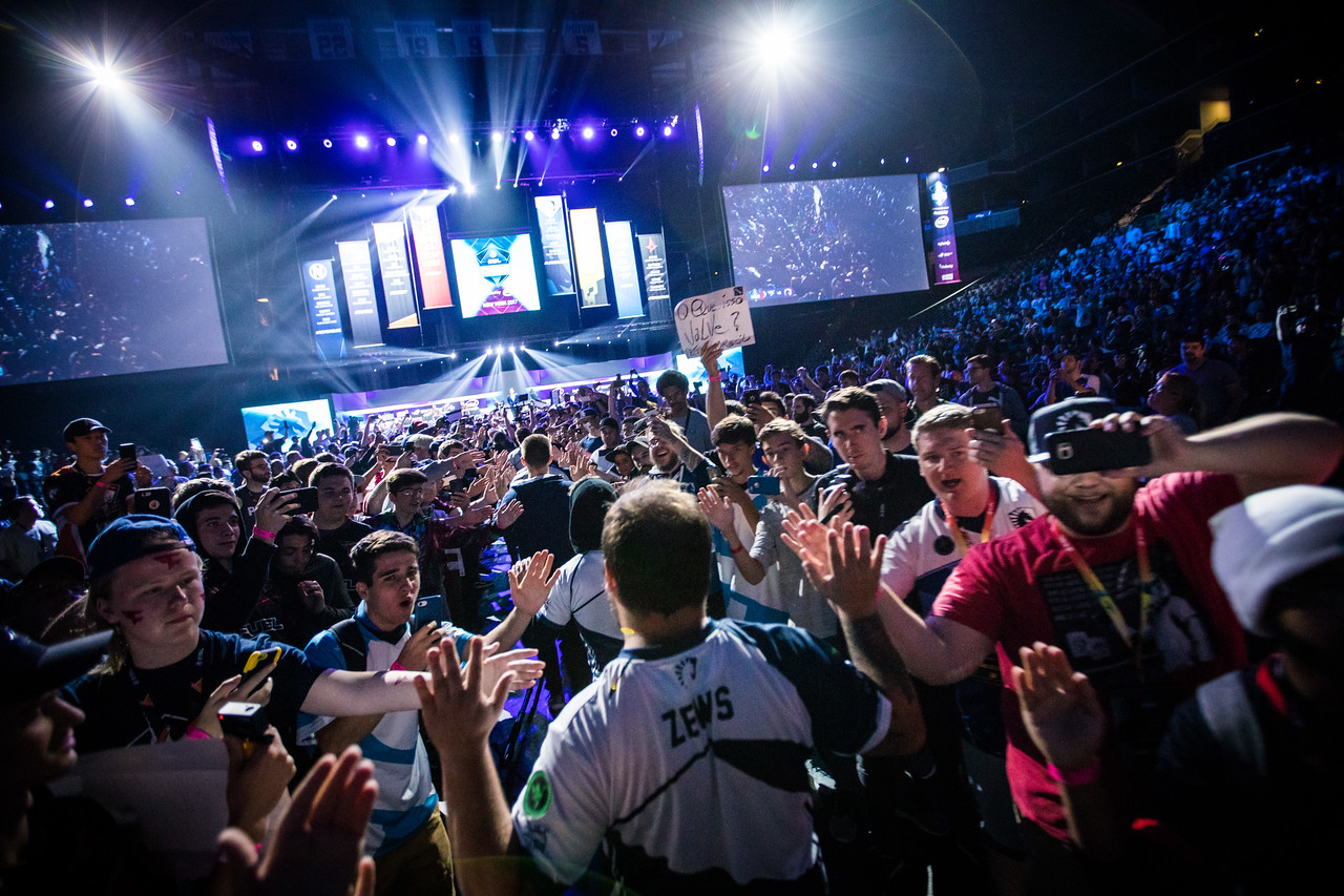 Team Liquid enters the stage to face off against Faze in the finals of ESL One New York 2017