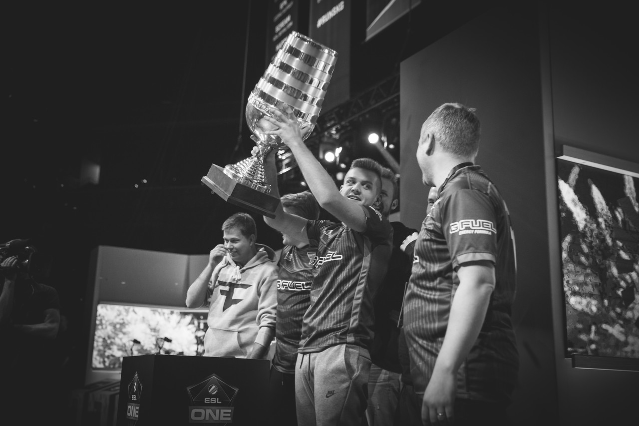 The champions of ESL One New York: FaZe Clan!