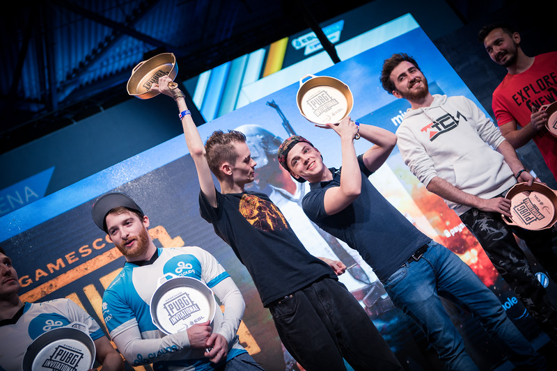 The top 3 duos of the 3rd person PUBG tournament in ESL Arena at Gamescom 2017