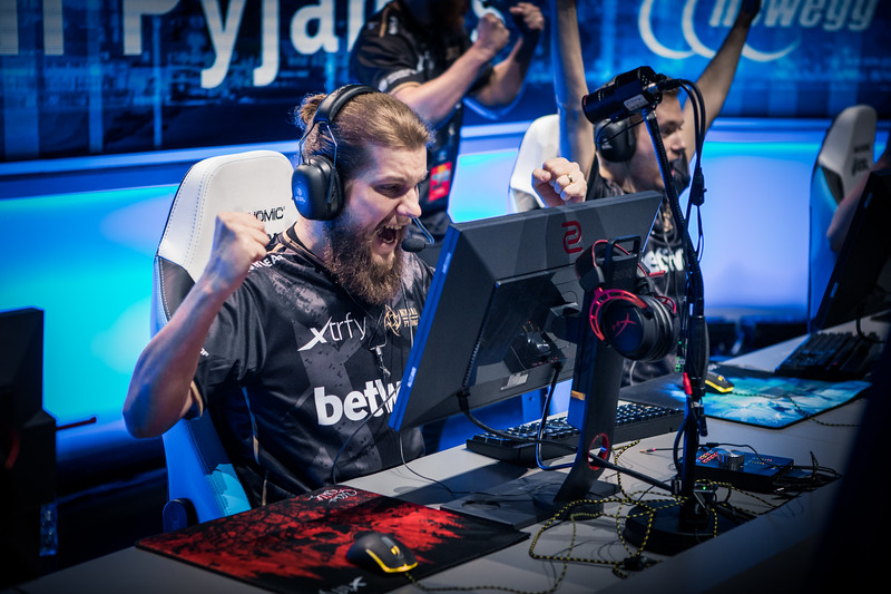 NiP's f0rest is pumped after a round-win in the semi-finals!
