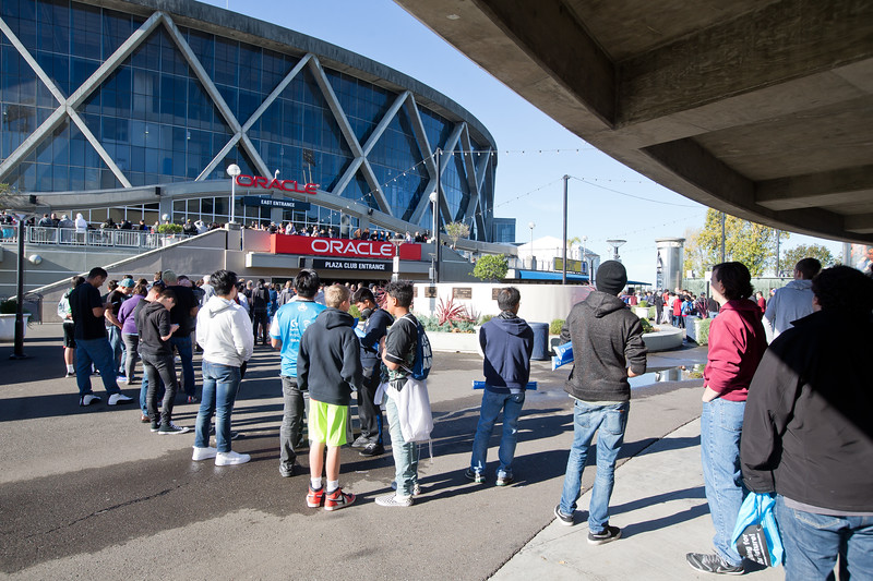 The fans are lining up to enter the Oracle Arena for the Intel Extreme Masters Oakland 2017