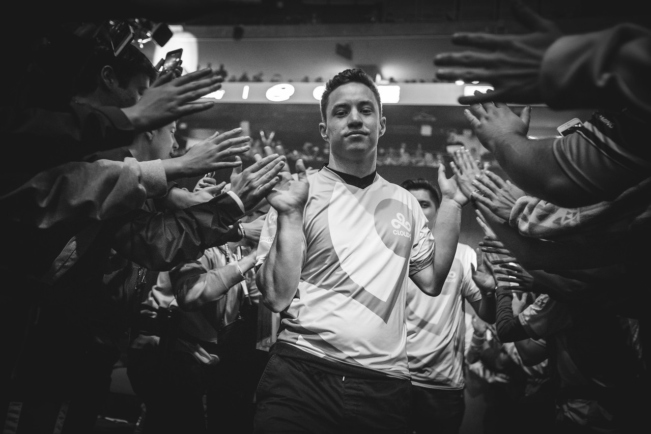 Cloud9 enters the stage to face off against Faze in the Semi-finals of IEM Oakland 2017