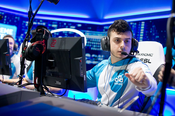 Cloud9's taric on stage during the semi finals against FaZe