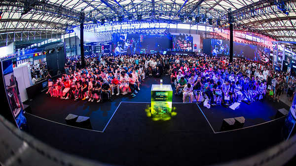 The crowd of the Intel Extreme Masters Shanghai 2017 awaits the games