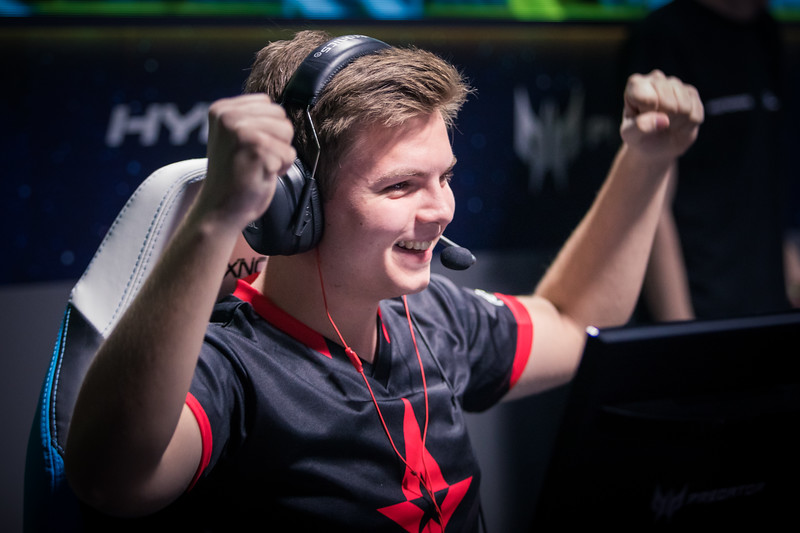 Astralis Kjaerbye celebrates a great clutch round by his team mate during the semifinals