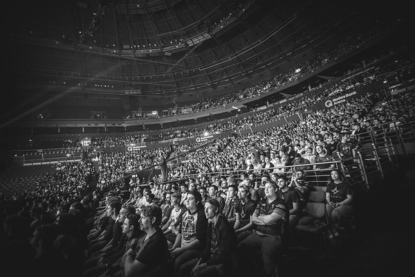 The crowd witnesses the action of the Intel Extreme Masters Sydney 2017
