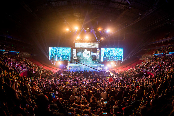 The crowd celebrates the winners of Intel Extreme Masters Sydney 2017, SK Gaming