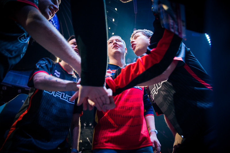 FaZe Clan all hands in before their semifinal in Spodek Arena