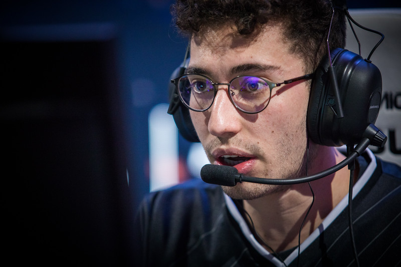 G2 Mithy playing