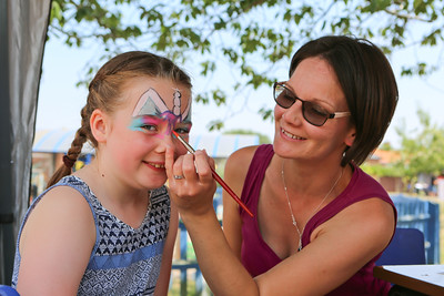 MDEP-07-07-2018-043 Macy Knights gets her face painted
