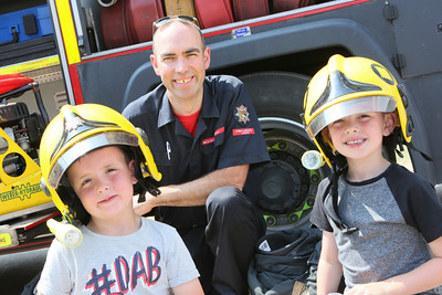 MDEP-07-07-2018-047 Archie DAVIES & Ethan WARNES-HUNTS with Fire Fighter Tom BANKS