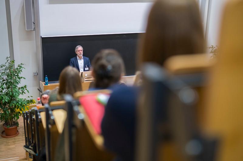 Christof Schenck giving a key-note speach at Spring School in the Goethe University, Frankfurt, Germany. © Daniel Rosengren