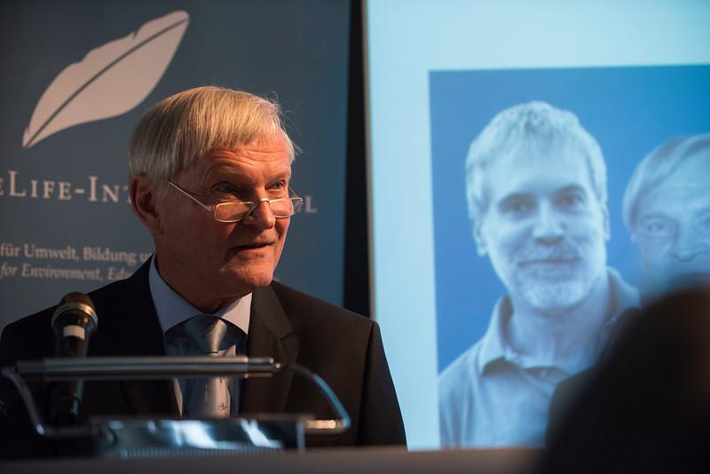 Astronaut Ernst Messerschmid giving a speech during the NatureLife-Umweltpreises 2016 ceremony. Palais Livingston, Frankfurt, Germany. © Daniel Rosengren
