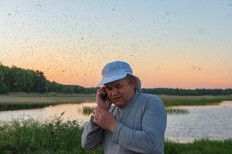 Nikolaiy Cherkass enjoying the biodiversity in the Polesie area, Belarus. © Daniel Rosengren
