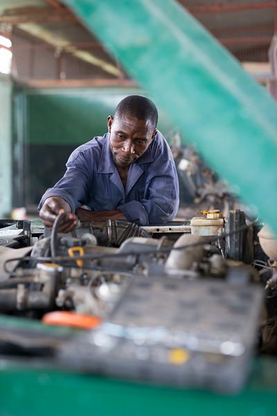 Mechanics at work at the FZS workshop. Seronera, Serengeti, Tanzania. © Daniel Rosengren