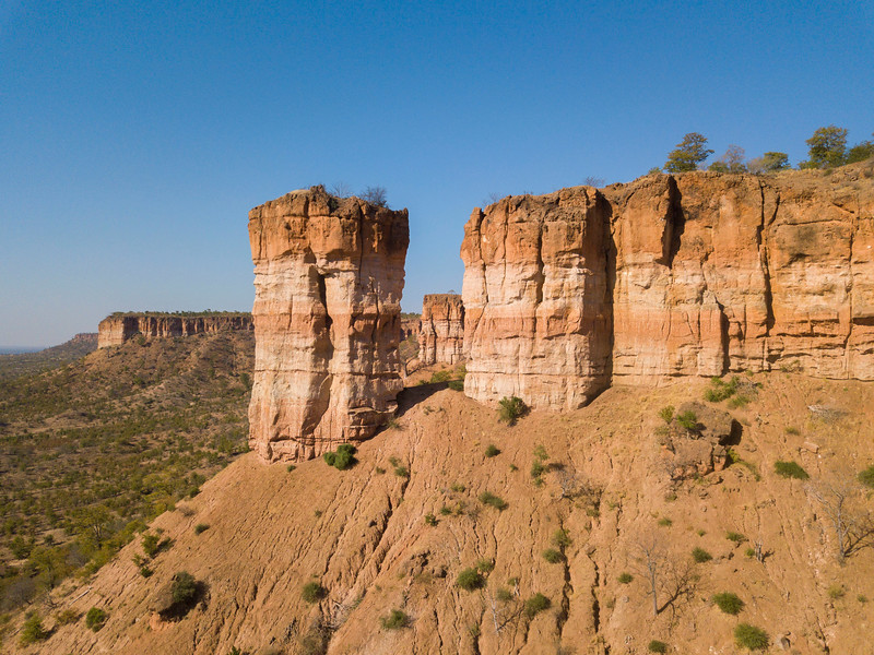 The iconic Chilojo Cliffs in Gonarezhou National Park, Zimbabwe. © Daniel Rosengren / FZS