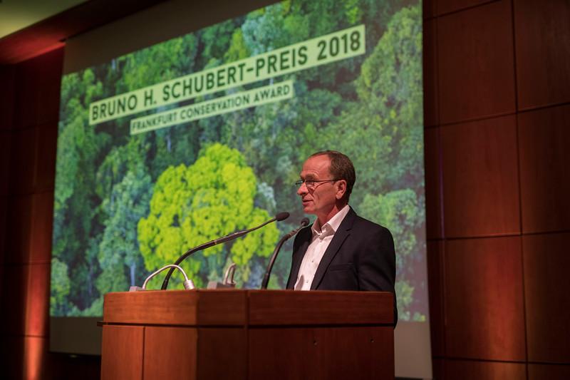 Michael Kunkel (Category 2 winner) at the Frankfurt Conservation Award (Schubert-Preis) ceremony. Frankfurter Sparkasse, Frankfurt, Germany. @ Daniel Rosengren