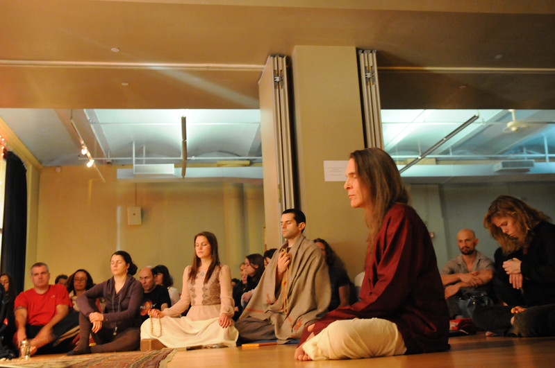 David Life and guests at Jivamukti practicing mauna, silent contemplation. Photo by Derek Pashupa Goodwin.