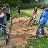 Errichtung eines Barfußpfades im Kurpark von Treuchtlingen; Grundschule Treuchtlingen, Schubertpreisträger 2016 Kategorie 3