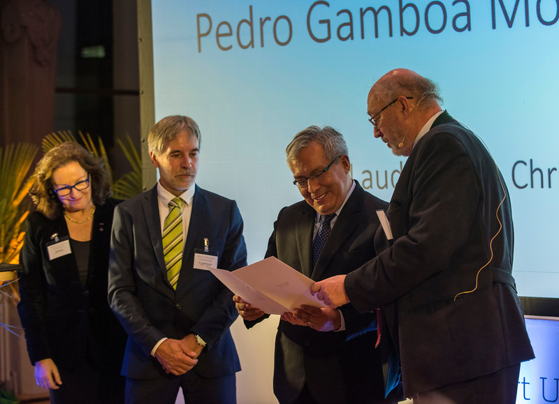 From left: Gabriele Eick, Christof Schenck, Second category winner Pedro Gamboa and Manfred Niekisch at the Schubert Prize Awards. Zoogesellschaftshaus, Frankfurt, Germany. © Daniel Rosengren
