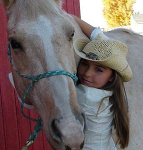 Kennedy Hansen with horse 2013