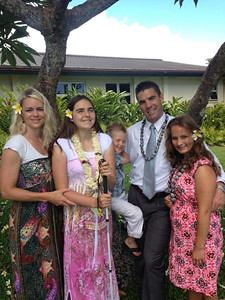 Kennedy Hansen with family in Hawaii, July 2013