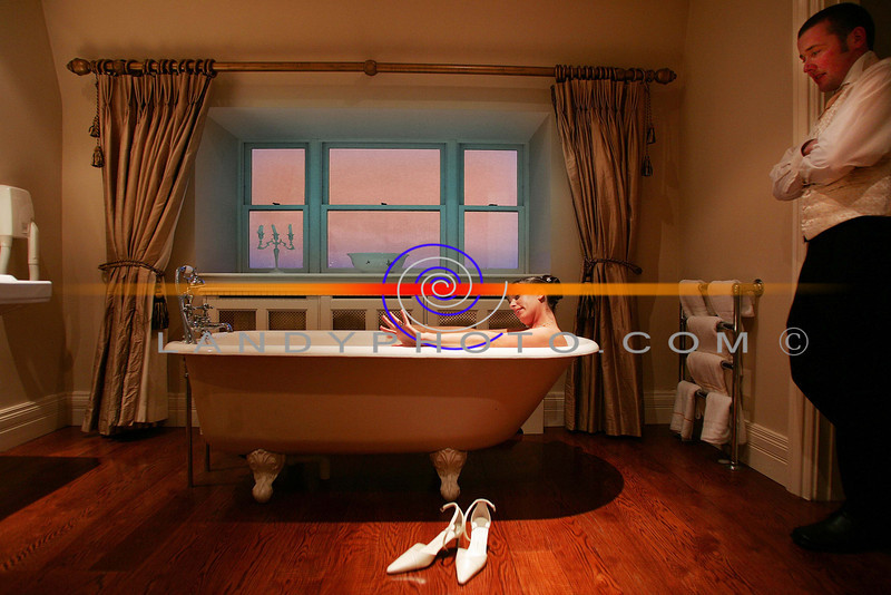 Catherina Diggins  of Ballydonoghue and Gerard Buckley of Ballybunion relax in the Bridal suite bathroom  at the Arms Hotel in Listowel.<br /> Photo Brendan Landy