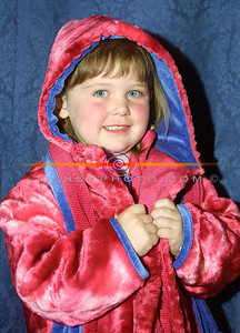 Fashion  girl  Laura Doyle (4) from Listowel  all snug for the winter as she models at the Clounmachon community Centre Fashion Show in the Listowel arms Hotel. Pic Brendan Landy