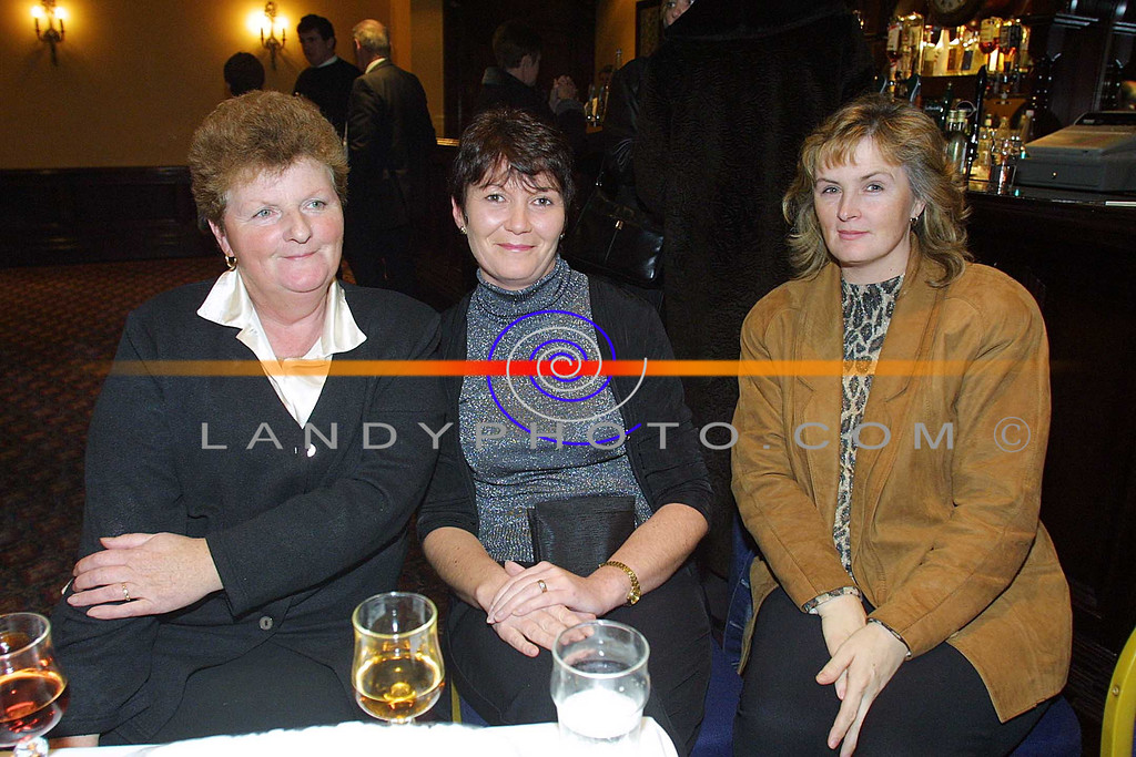 Helen Toomey , Annette Shanahan and Catherine Mullelly ( correct spelling) of clounmachon Listowel at the Clounmachon community Centre Fashion Show in teh Listowel arms Hotel.<br /> Pic Brendan Landy