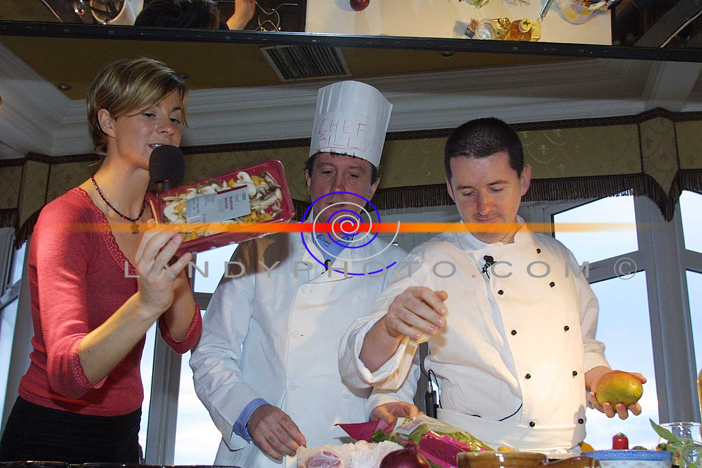 Aoileann Garavaglia who was the speical guest at this years listowel food fair gives guest Billy Keane and  RTE Chef Ivor O Connor  the food they have to work with at the Ready Steady Cook Demo at the Food Fair.<br /> Pic Brendan Landy