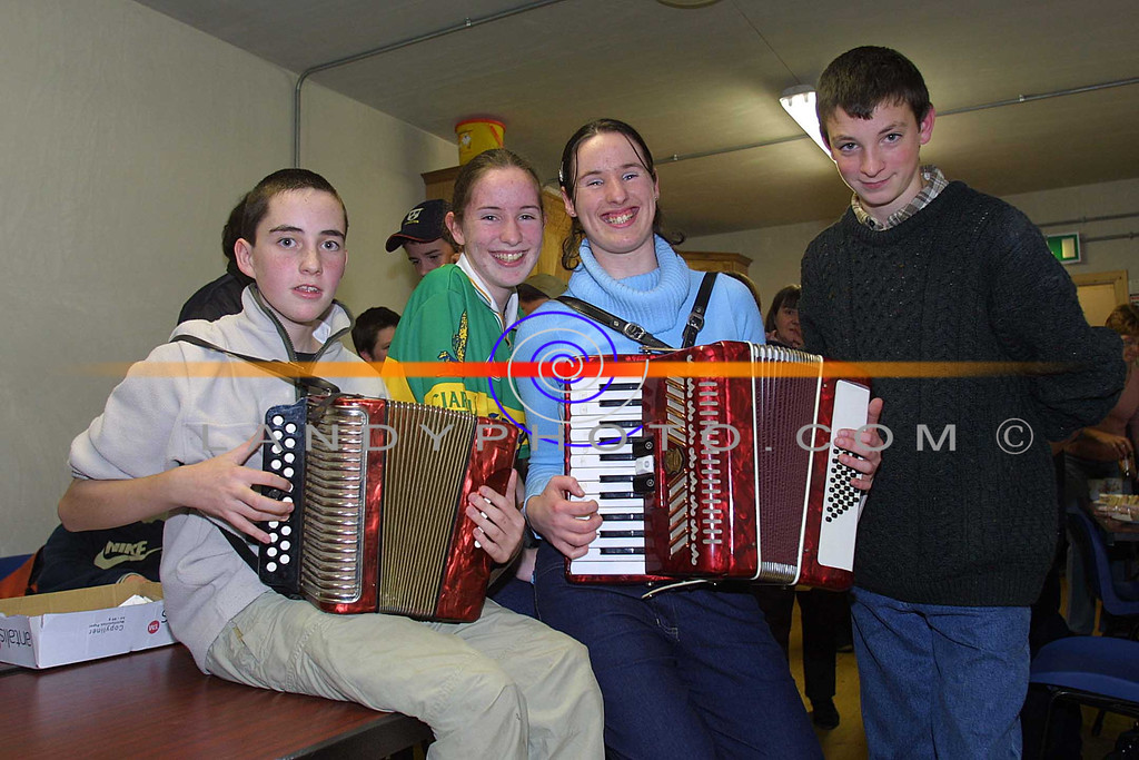 Stephen O carroll, Meg O Hanlon, Maura O Hanlon and John Doran of Asdee who took part in the Shannonside Youth Clubs Tallent show in Moyvane.<br /> Pic Brendan Landy