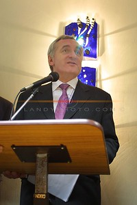 Bertie Ahern speaks at Pierse and Fitzgibbons Offices on his visit to Listowel. Pic Brendan Landy