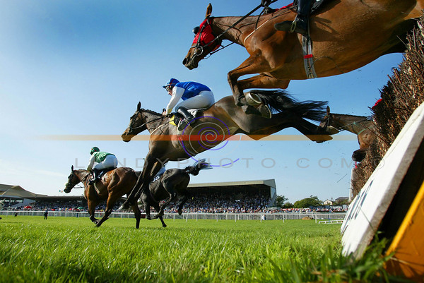 A Spiders view of the Kerry Petroleum Handicap Steeplechase at the sun drenced Listowel Harvest Festival meeting of racing in the north kerry town.<br /> Pic Brendan Landy
