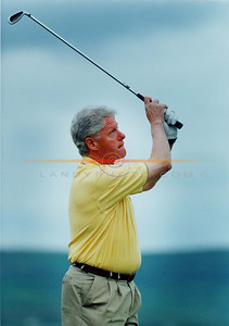 Former President Bill Clinton tees off from Ballybunion Linx course on his second visit to the famous course on May 20th 2001. Pic Brendan Landy