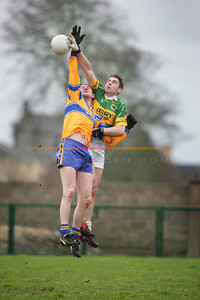 Dara O Sé shows that he still has not lost his supremecy in the air for Kerry. Photo Brendan Landy