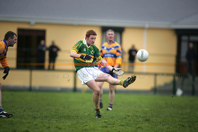 Noel Kennelly showing early form for kerry against Clare. Photo Brendan Landy