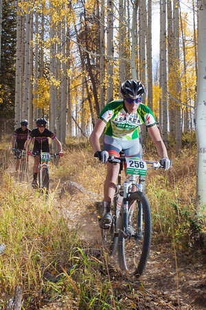 Maxx Chance, JV rider from Fairview is chased by Boulder HIgh racers. Credit: Brian Mazanti, BMaz Photography