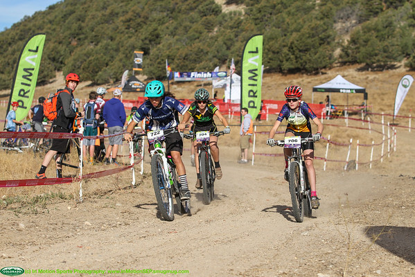 South Freshman girls on first lap. Samantha Soriano, 722, Columbine in front of Alma Wolf, 704, Animas with Sadie Schafer, 706, Animas current Leader on far left. Photo Leslie Farnsworth-Lee.
